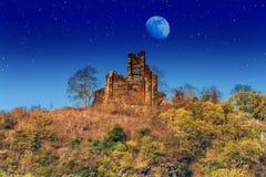 Alte Ruine auf der Mosel lizenzfreie stockbilder