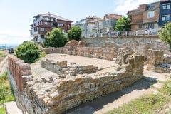 Alte Ruinen auf dem Stadtdamm von altem Nessebar, Bulgarien Lizenzfreie Stockfotos