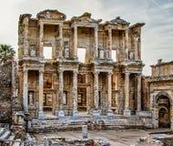 Alte Ruinen der Bibliothek von Ephesus Stockbilder