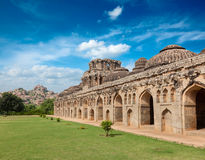 Alte Ruinen der Elefant-Ställe Stockbild