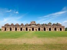Alte Ruinen der Elefant-Ställe Lizenzfreies Stockfoto