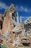 Alte Ruinen in der italienischen Stadt Taormina Lizenzfreie Stockbilder