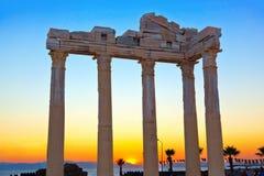 Alte Ruinen in der Seite, die Türkei am Sonnenuntergang Lizenzfreie Stockfotos