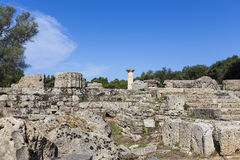 Alte Ruinen des Tempels Zeus, archäologisches PEL Standort der Olympia Stockfotos