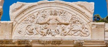 Alte Ruinen an historischer alter Stadt Ephesus lizenzfreie stockfotografie