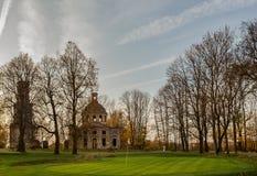 Alte ruinierte Kirche Lizenzfreie Stockbilder