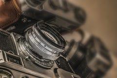 Alte russische analoge Filmkameras mit manuellen Kontrollen Lizenzfreie Stockfotos