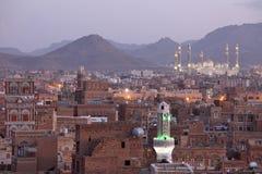 Alte Sanaa-Ansicht und Al Saleh Mosque, der Jemen stockfoto