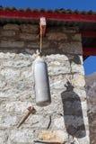 Alte Sauerstoffflasche und Hummer funktionieren als Schule Lizenzfreie Stockfotos