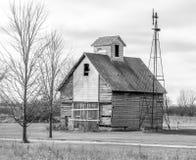 Alte Scheunen- u. Windmühle Stockfotografie