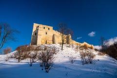 Alte Schlossruinen in einer Kleinstadt Kazimierz Dolny stockfotografie