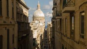 Alte schmale Straße der europäischen Stadt Stockfotos