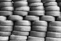 Alte schmutzige benutzte Reifen Lizenzfreies Stockbild