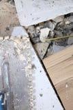 Alte schmutzige Kelle auf Baustelle Lizenzfreie Stockbilder