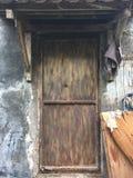 Alte schmutzige Tür Stockfoto