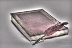 Alte Schreiben auf alten Büchern Lizenzfreie Stockfotografie