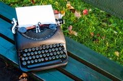 Alte Schreibmaschine der Weinlese Lizenzfreie Stockfotos
