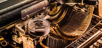 Alte Schreibmaschine der Weinleseart Das trifft auch im digitalen a zu Lizenzfreie Stockfotografie