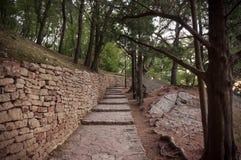 Alte Schritte im Park Stockbilder