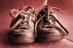 Alte Schuhe Stockfoto