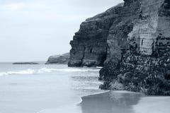 Alte scogliere sul litorale irlandese Immagine Stock Libera da Diritti