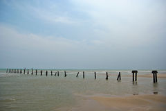 Alte Seebrücke nahe Chu-Sind- Strand stockfotos