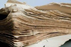 Alte Seiten des antiken Buches Selektiver Fokus Stockfotos