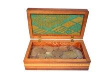 Alte Silbermünzen in einem Kasten Lizenzfreies Stockbild