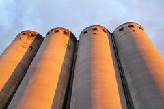 Alte Silos der Kornendlagerung, sehr rustikal/landwirtschaftliche Silos in Belgrad, Serbien Lizenzfreie Stockbilder