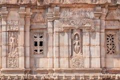 Alte Skulpturen auf alten Wänden von hindischen Tempeln, Architekturmarkstein in Pattadakal, Indien Der meiste populäre Platz in  Lizenzfreies Stockfoto