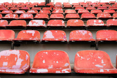 Alte Stadionssitze Stockfoto