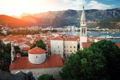 Alte Stadt in Budva an einem schönen Sommertag Budva-Zitadelle ADRIATISCHES MEER Lizenzfreies Stockfoto