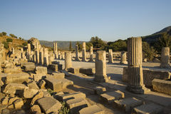 Alte Stadt der oberen Straße von Ephesus. Stockbild