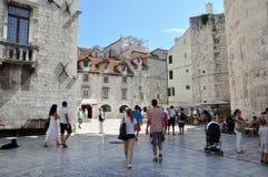 Alte Stadt in der Spalte, Kroatien stockbild