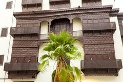 Alte Stadt in Dschidda Saudi-Arabien bekannt als historisches Dschidda Alt und Erbe Windows und Türen in Dschidda Schattierte Ent stockbild