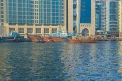 Alte Stadt, Fluss mit Booten und Schiffe Reisefoto Lizenzfreie Stockfotos