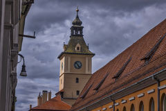 Alte Stadt Hall Tower in Brasov Lizenzfreies Stockfoto