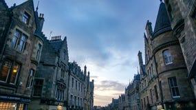 Alte Stadt mit einem sehr drastischen Himmel Stockfoto