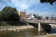 Alte Stadt mit Fluss Miya, Takayama, Japan Stockbild