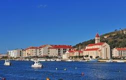 Alte Stadt Omis, adriatische Küstenlinie Stockfoto