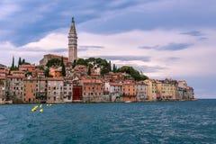 Alte Stadt Rovinj in der adriatischen Seeküste von Kroatien lizenzfreies stockfoto