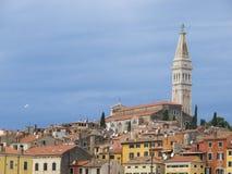 Alte Stadt Rovinj mit Basilika von St. Euphemia an den Spitzen-0877 Lizenzfreies Stockfoto