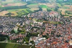Alte Stadt trifft neue Stadt Stockbild