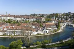 Alte Stadt und der Fluss Aare in der Stadt von Bern Stockbilder