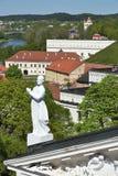 Alte Stadt Vilnius und Skulptur der Kathedrale in Vilnius Stockfotografie