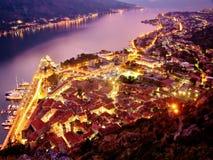 Alte Stadt von Kotor nachts Stockfotos