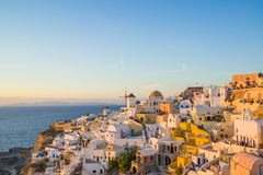 Alte Stadt von Oia oder von Ia auf der Insel Santorini Lizenzfreie Stockbilder