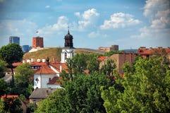 Alte Stadt von Vilnius im Sommer lizenzfreies stockbild
