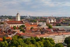 Alte Stadt von Vilnius, wie vom Hediminas-Schloss, Litauen, Sommerzeit gesehen Stockbild