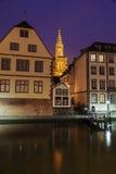 Alte Stadtarchitektur mit Straßburg-Münster Stockfotografie